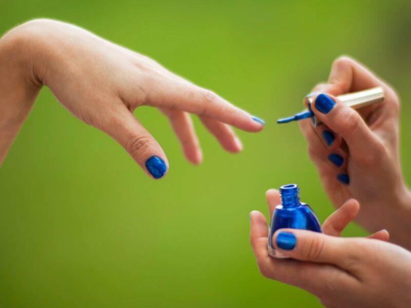 Guide: Hvordan fjerner man akrylnegle?